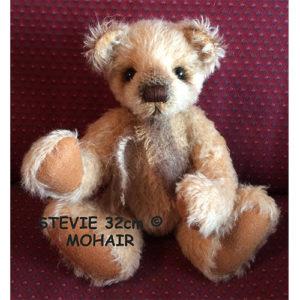 FBS Stevie  Mohair Kit 32cm
